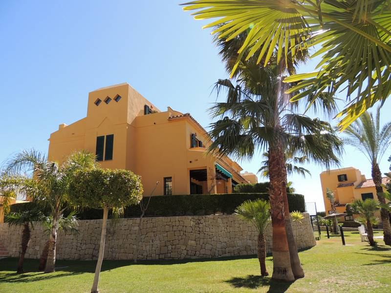 Side view Property for sale close to Benidorm