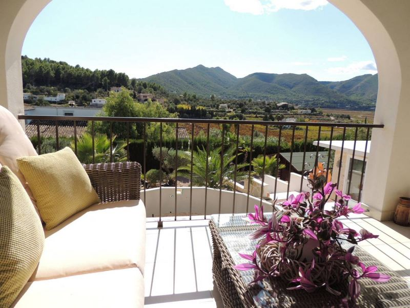 Balcony with stunning views over the Jalon valley