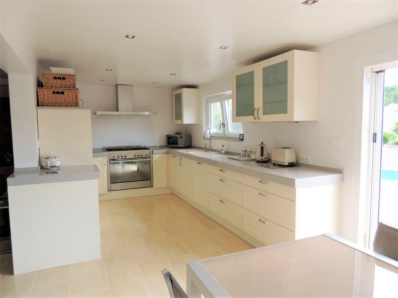 Lower floor fully fitted kitchen
